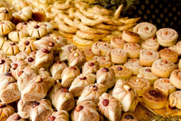 Tortas doces árabes bolos empilhado padaria