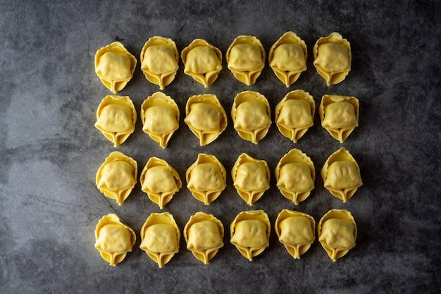 Tortelloni massas italianas massas tradicionais com carne ou legumes