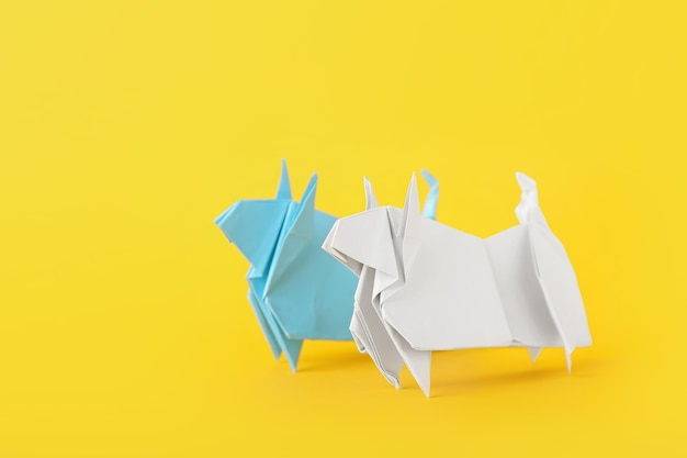 Touros de origami como símbolo do ano 2021