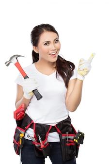 Trabalhador da construção civil muito jovem