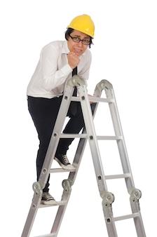 Trabalhador da construção civil no conceito engraçado em branco