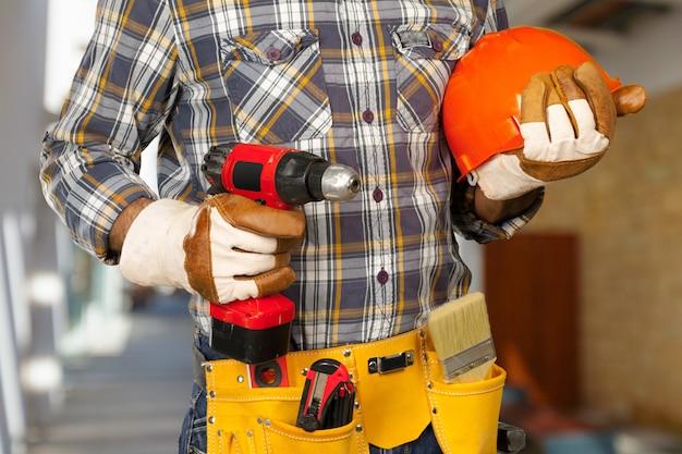 Trabalhador da construção civil no estaleiro