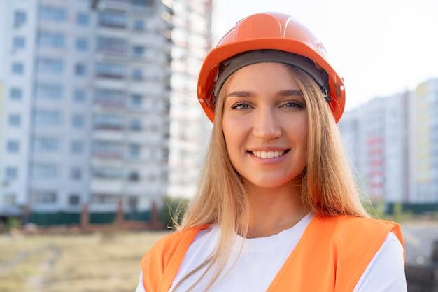 Trabalhador da construção civil no local