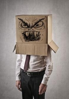 Trabalhador de escritório com raiva