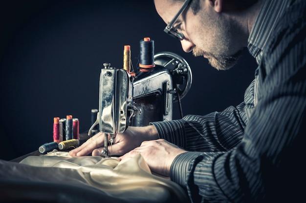 Trabalhador de máquina de costura