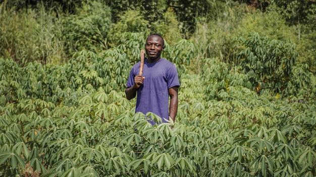 Trabalhador do campo no campo