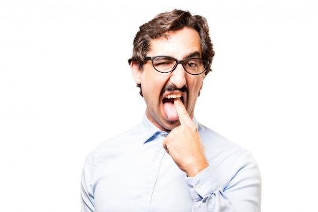 Trabalhador expressivo com um dedo em sua boca