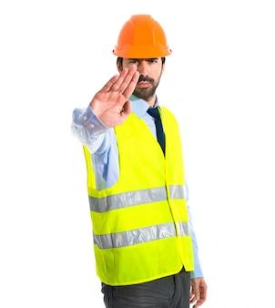 Trabalhador, fazer, parar, sinal, branca, fundo