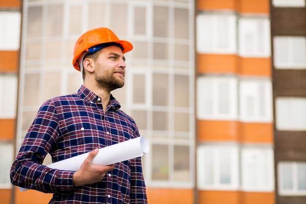 Trabalhador m engenheiro construção homem