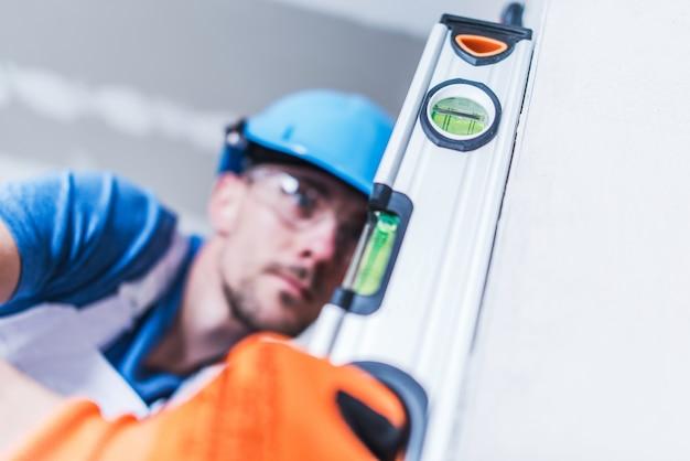 Trabalhador profissional da construção civil