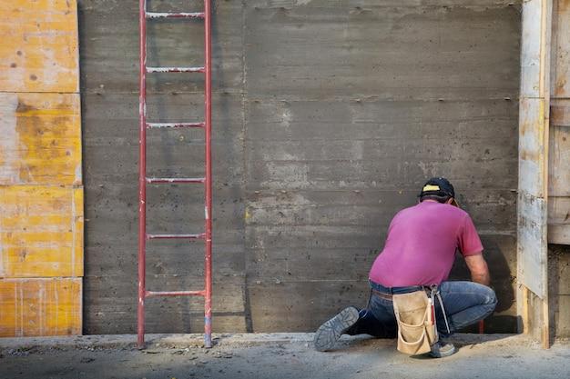 Trabalhador, trabalhando, em, um, local construção