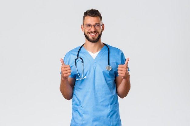 Trabalhadores de saúde, medicina, covid-19 e conceito de auto-quarentena pandêmica.