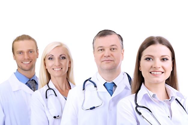 Trabalhadores médicos isolados no branco