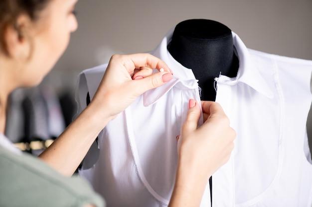 Trabalhando em uma nova blusa