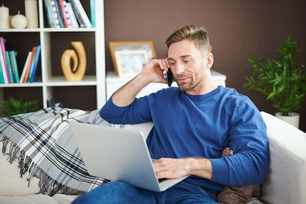Trabalhar em casa traz muitos benefícios