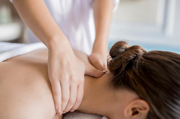 Trabalho de massagista