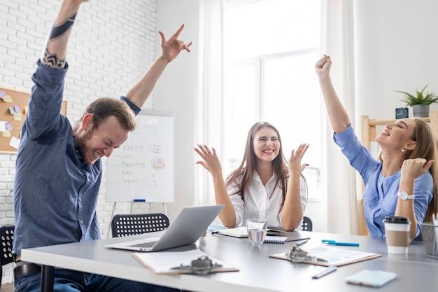 Trabalho em equipe de empresários