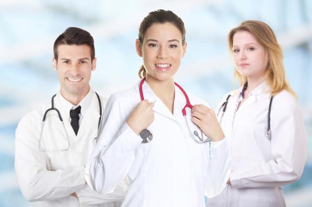 Trabalho em equipe de médicos