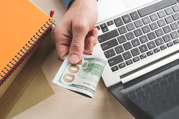 Trabalho remoto freelance de pagamento de trabalho remoto trabalhando em casa salário online