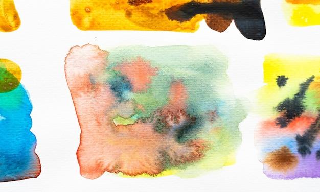 Traçados de pincel aquarela abstrata com espaço para seu próprio texto. fechar-se.