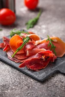 Tradicional espanhol jamon de carne curada