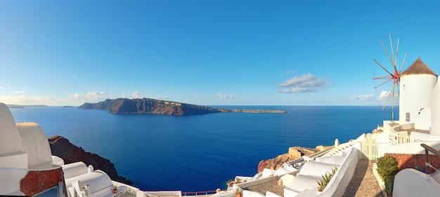Tradicional, moinho de vento, e, apartamentos, em, oia, vila, ilha santorini, grécia