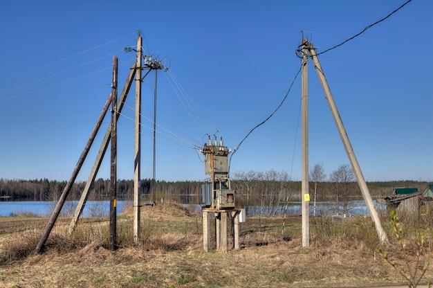 Transformador de distribuição de eletricidade, subestação de energia elétrica.