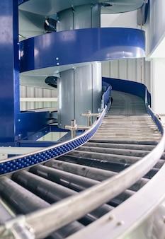 Transportadores modulares e automação industrial para máquinas de transferência de pacotes