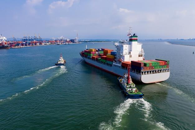 Transporte de contêineres de carga de importação e importação internacional no mar