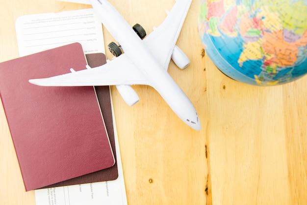 Transporte do curso do conceito com avião.
