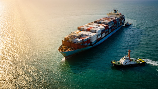 Transporte marítimo de carga logística empresarial e indústria serviço importação exportação transporte internacional