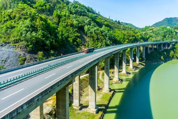 Transporte natureza liberdade verão estrada vazia