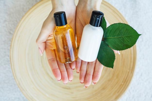 Tratamento de spa e produto para pés femininos e mão spa relaxe e cuidados saudáveis