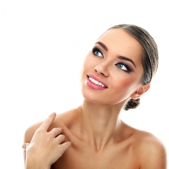 Tratamento e maquiagem para cuidados com a pele