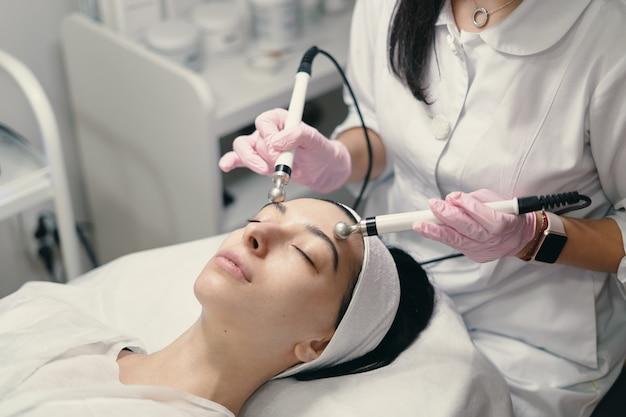Tratamento facial rejuvenescedor Foto gratuita