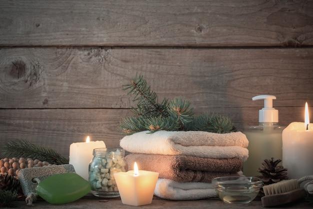 Tratamentos de spa em fundo de madeira