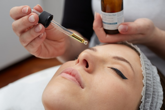 Tratamentos faciais no clube de bem-estar