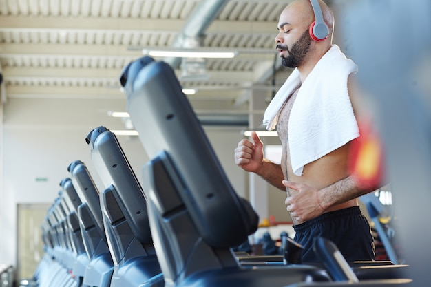 Treinamento de corrida no ginásio