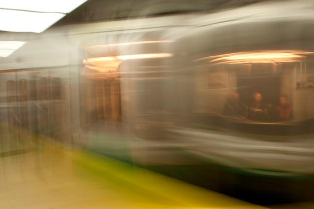 Treinar no metrô em boston boston, massachusetts, eua