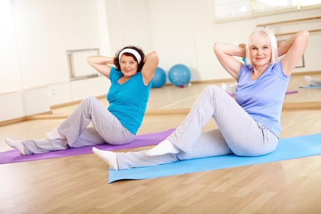 Treino alegre idosos física saudável