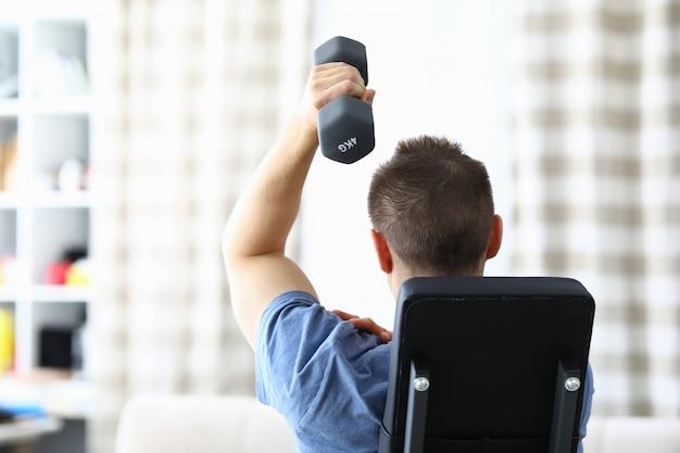 Treino e exercício para braço