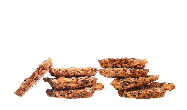 Três biscoitos chips em branco