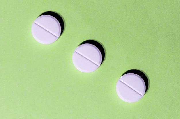 Três comprimidos de comprimido