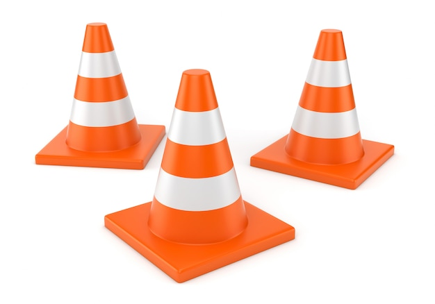 Três cones de estrada laranja