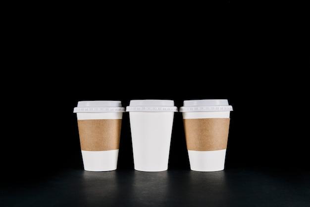 Três copos de café take away