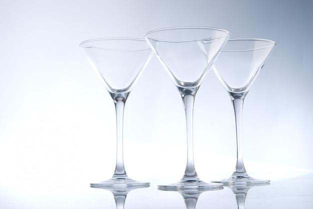 Três copos de coctail