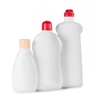 Três garrafas plásticas