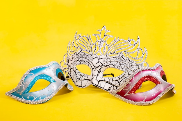 Três máscaras venezianas
