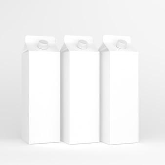 Três pacotes de leite e suco