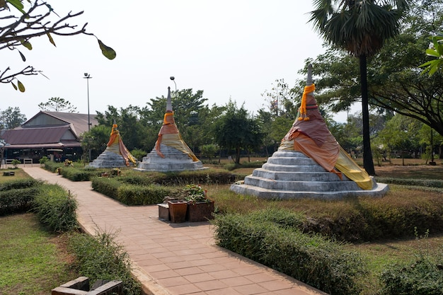 Três pagodes pass ou dan chedi sam ong na tailândia.